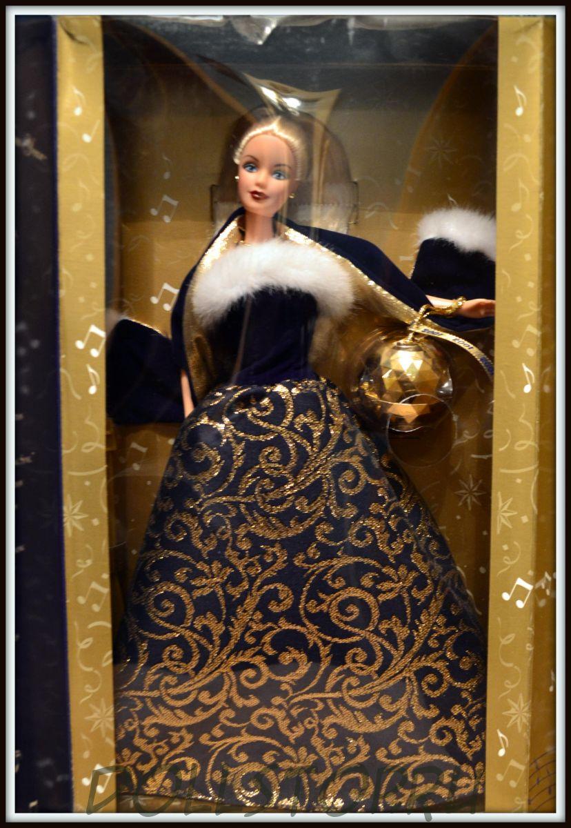 Коллекционная Кукла Барби с Новогодним шаром Эйвон коллекции 2011 - Barbie Ring  in the New Year